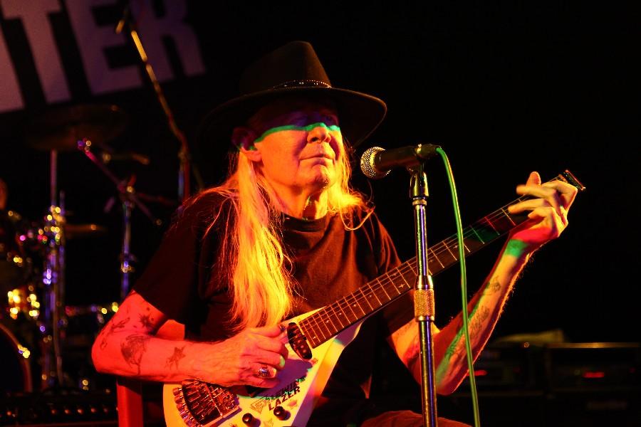 Zemřel Johnny Winter, fenomenální bluesový albín