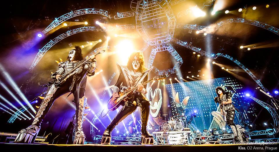 Jarní hardrockové hody: do Česka zamíří Kiss a Def Leppard