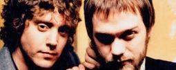 Nové album Kasabian uniklo na internet, kapela ho nabízí celé k poslechu