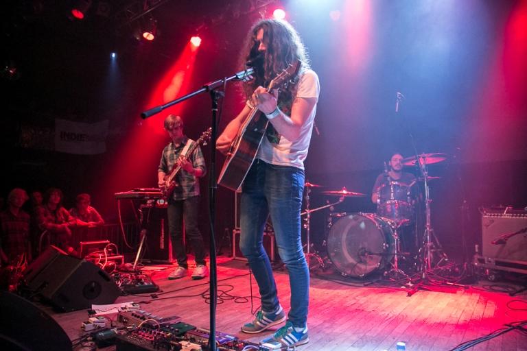 LIVE: Kurt Vile osvobodil Prahu poctivým rockem
