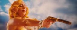 VIDEO: Lady Gaga debutuje ve filmu. S bouchačkou v ruce