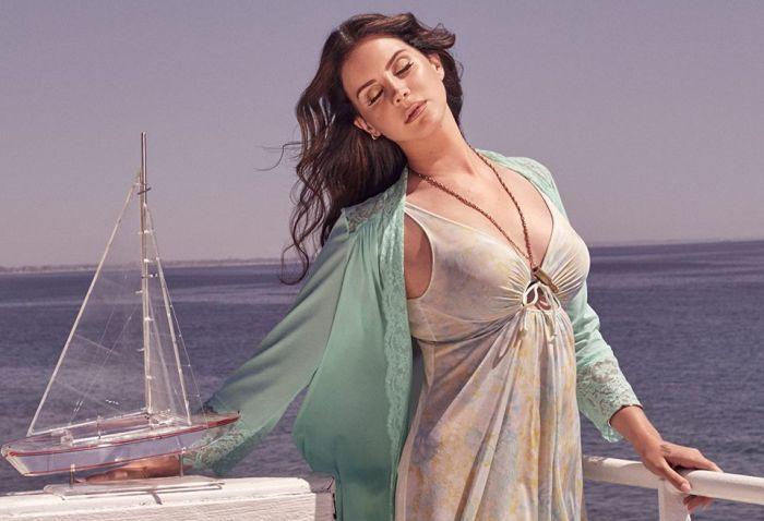 AUDIO: Lana Del Rey zpívá od moře lépe než kdy dřív