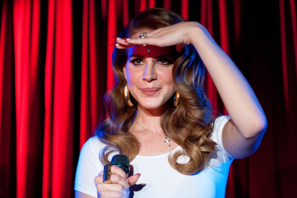Křehká Lana Del Rey zdrsněla, můžou za to hip hop a Azealia Banks