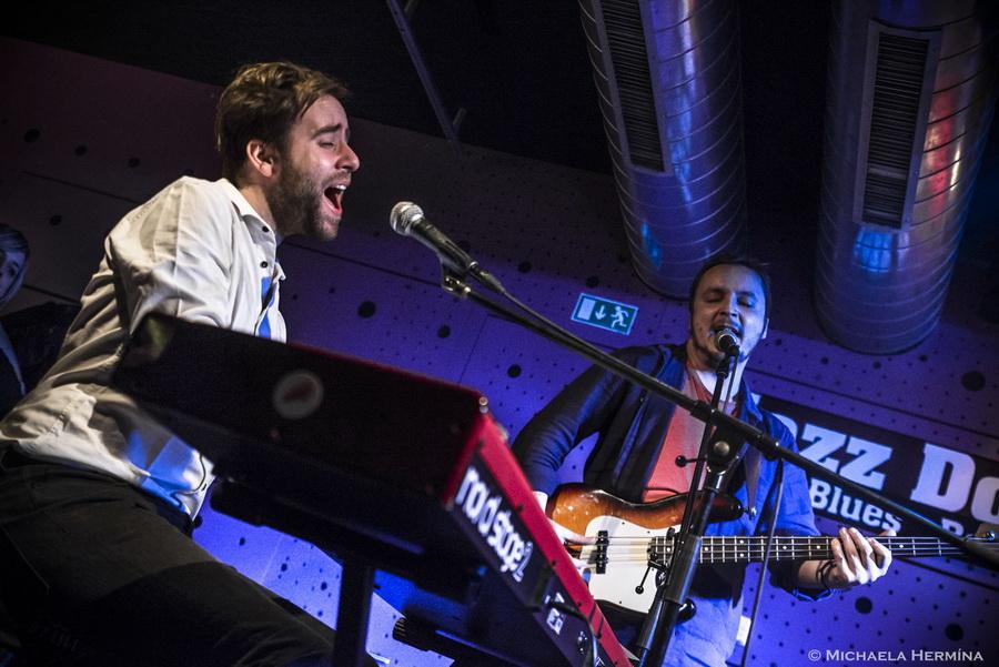 LIVE: Lanugo v Jazz Docku naladilo na vánoční atmosféru