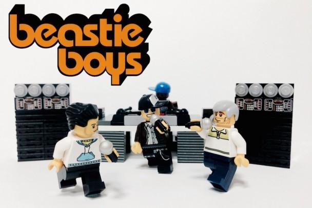 Křivák, kytary a styl. Green Day, Muse i Beatles jako Lego panáčci