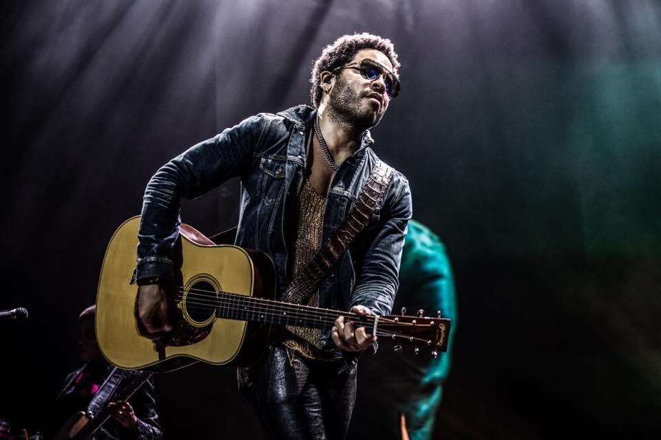 LIVE: Lenny Kravitz dobrý dojem zachránil až hity v závěru
