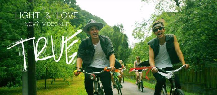 VIDEO: Bratři Balcárkové z Light & Love mají druhý svěží hit