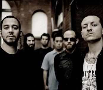 RECENZE: Linkin Park zahodili kytary a opět se nabili elektřinou