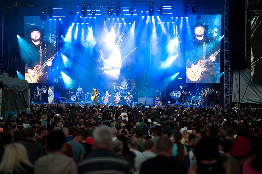 LIVE: Lucie na Rock For People: Poslední swing v nebeským rytmu