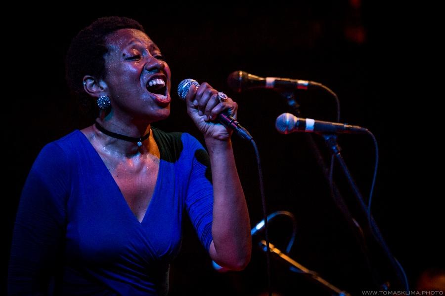 LIVE: I dokonalý muzikant Maceo Parker se občas mění v pouhého fanouška