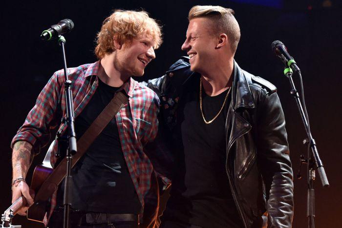 AUDIO: Macklemore složil píseň pro dceru, asistuje mu Ed Sheeran