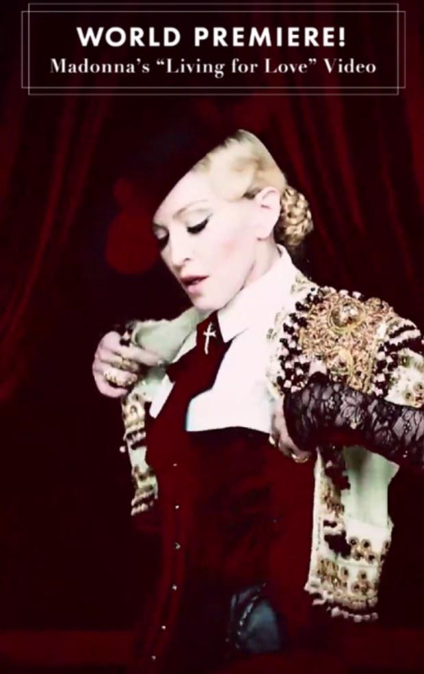 VIDEO: Madonna se rohatých mužů nebojí