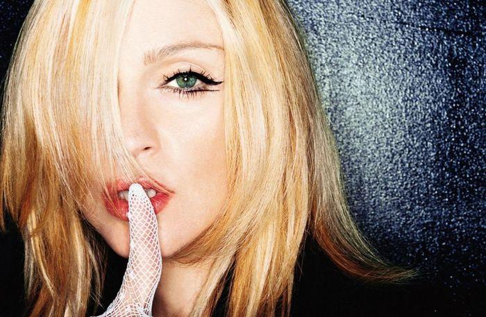 Madonna stupňuje napětí před vydáním MDNA, tady je další skladba!
