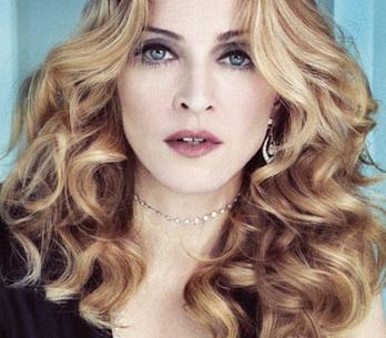 Madonna a rapper Jay-Z rozjíždějí společný kšeft, podpoří YouTube