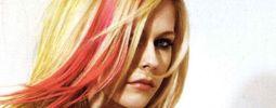 Avril Lavigne flirtuje polonahá s basketbalovým týmem
