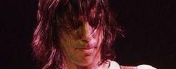 Jeff Beck: král Grammy vzdává novým živákem hold králi kytar