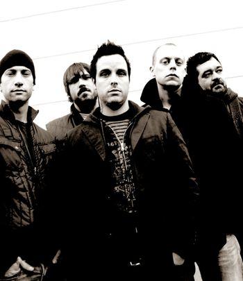 BoySetsFire: problémy zapomenuty, kapela se dává dohromady a míří do Prahy