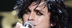 Green Day přivítali jaro živákem Awesome As F**k, vychází právě dnes