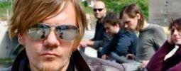Bezstarostná jízda Michala Hrůzy na motorce po Indii