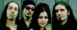 Benátská noc láká na Lacuna Coil, italský metal se sexy zpěvačkou