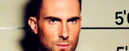"""Maroon 5 se v novém klipu """"peleší"""" s ruskou modelkou"""