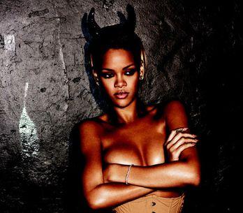 Rihanna vládne Anglii, vyrovnala rekord Elvise Presleyho