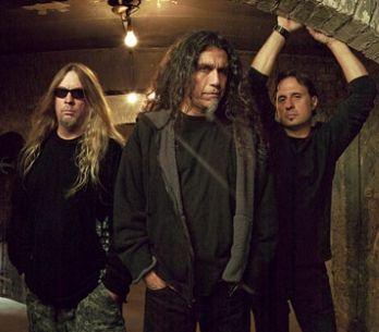 Slayer ruší koncerty, Tom Araya byl náhle hospitalizován