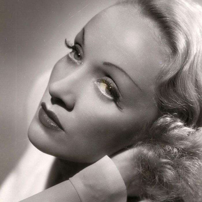 SMRT SI ŘÍKÁ ROCK'N'ROLL: Marlene Dietrich (85.)