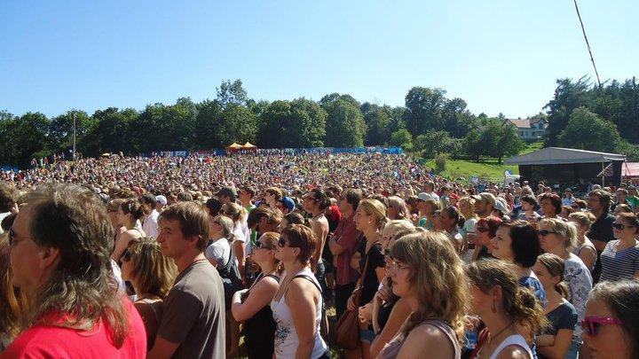 LIVE: Festival Okoř 2011 přilákal davy i po roční pauze