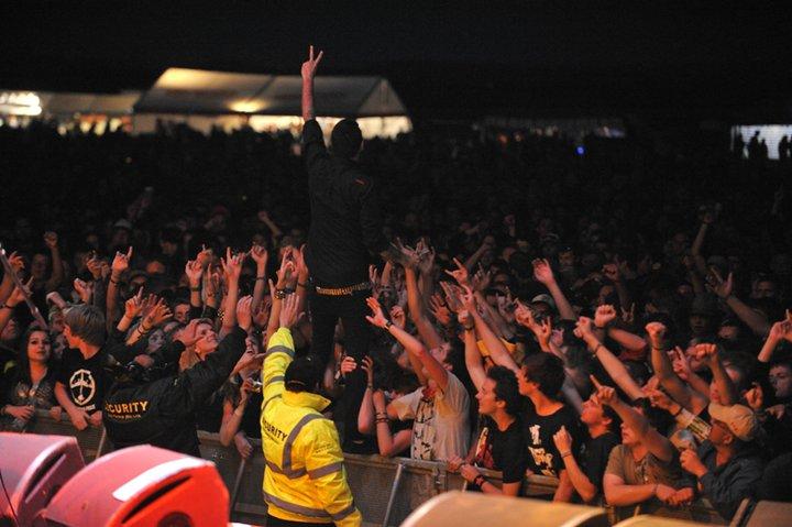LIVE Mighty Sounds 2011: Krev, suspenzory, hardcore, dětský koutek a Vlastík Plamínek
