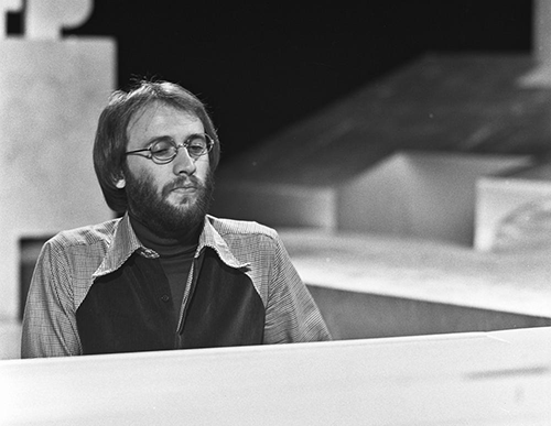 maurice_gibb_bee_gees_-_toppop_1973