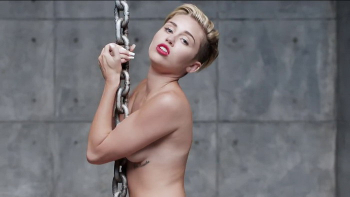 VIDEO: Linda Perry napsala píseň pro Miley Cyrus do lesbického filmu