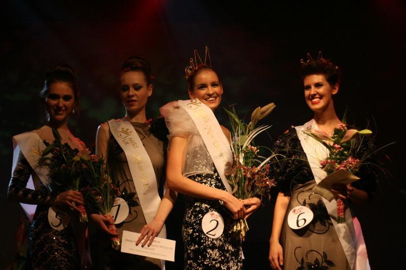 Nové Miss Univerzity Karlovy zahráli Toxique