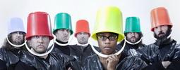 Špatné mravy a dobré mrvy: Monkey Business vyrážejí na turné