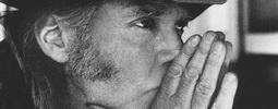 RECENZE: Neil Young si dělá, co chce. Berte, nebo nechte ležet...
