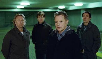 New Order v Praze: zahrají na stejném festivalu jako Blink-182!