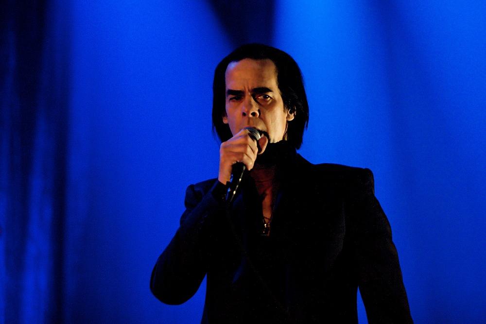 LIVE: Nick Cave sdílel s pražským publikem své běsy