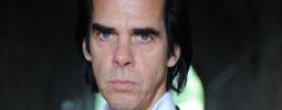 Nick Cave tragicky přišel o syna. Patnáctiletý chlapec spadl ze skály