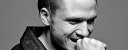 VIDEO: Ondřej Brzobohatý si v úvodu turné převzal Zlatou desku