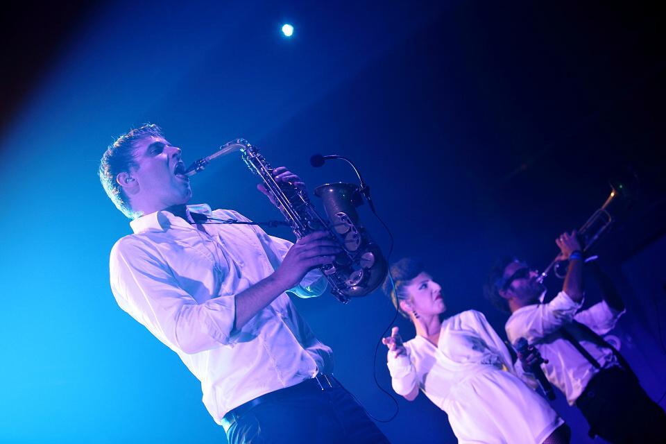 LIVE: Parov Stelar Band by víc slušel menší klub a víc vřelosti