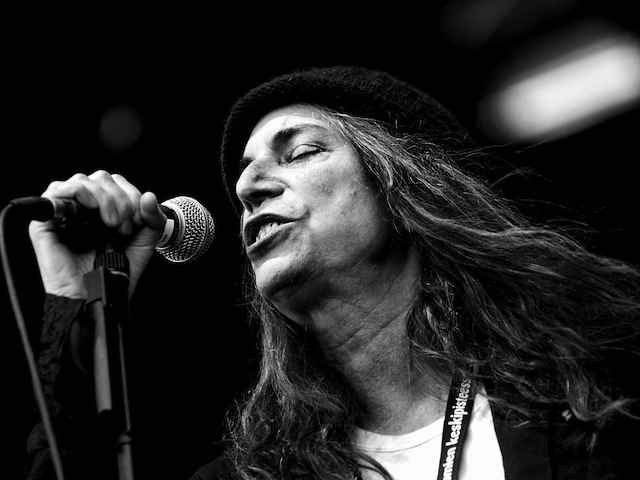 patti smith performing in finland 2007
