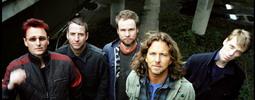RECENZE: A udeřil blesk! Pearl Jam jsou i podesáté přesvědčiví