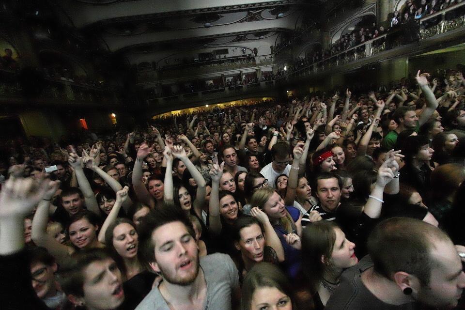 LIVE: Placebo v Lucerně uspěli i bez nostalgie a emocí