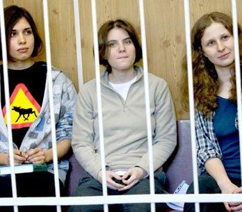 Pussy Riot jsou vinné, rozhodl moskevský soud