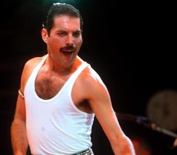 """Freddie Mercury """"obživne"""" a znovu si zazpívá s Queen"""