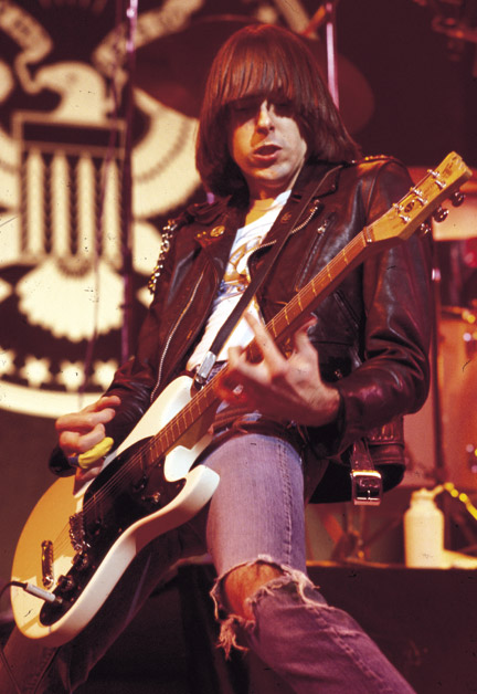 600full-johnny-ramone