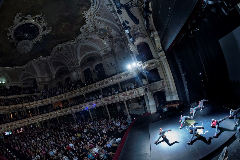 Flying Steps: breakdance na Johanna Sebastiana Bacha i v Bratislavě