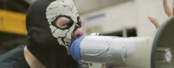 VIDEO: Řezník proti všem - Krajčovi, Okamurovi i Machettovi