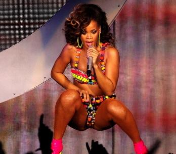 Rihanna brzy vydá Talk That Talk, poslechněte si druhý singl