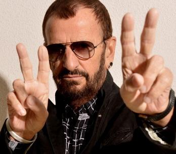 RECENZE: Ringo Starr posílá pohlednici do minulosti